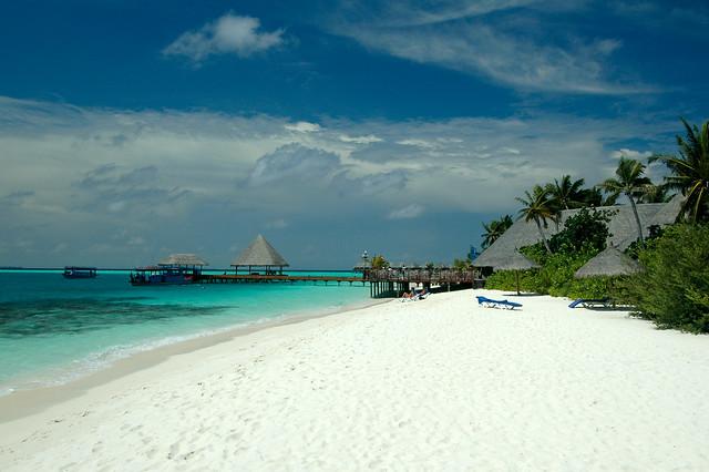 Beach at Vilu Reef Beach & Spa Resort
