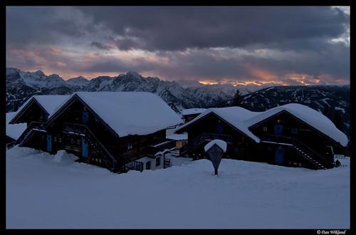 winter sunset mountain snow mountains alps austria tirol österreich huts hut d200 2008 tyrol dolomites mountainrange lienz zettersfeld lienzerdolomiten lienzdolomites lprainandsnow