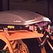 Střešní box Montblanc Vista 380 neudrží zavazadla při nárazu ve svých útrobách. V crash testu praskly vnitřní popruhy a lyže se provrtaly ven., foto: ADAC