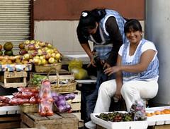 Ecuador, Cuenca - Vegetable market en 'Calle Larga'