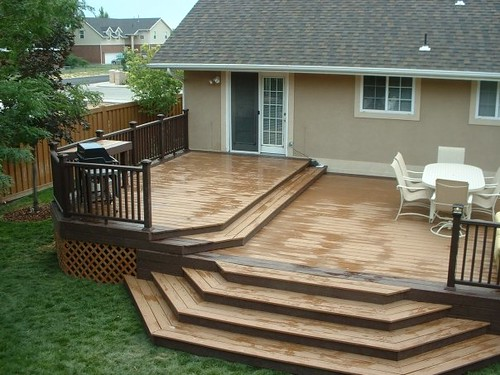 Trex Woodland Brown And Saddle Deck With Woodland Brown De