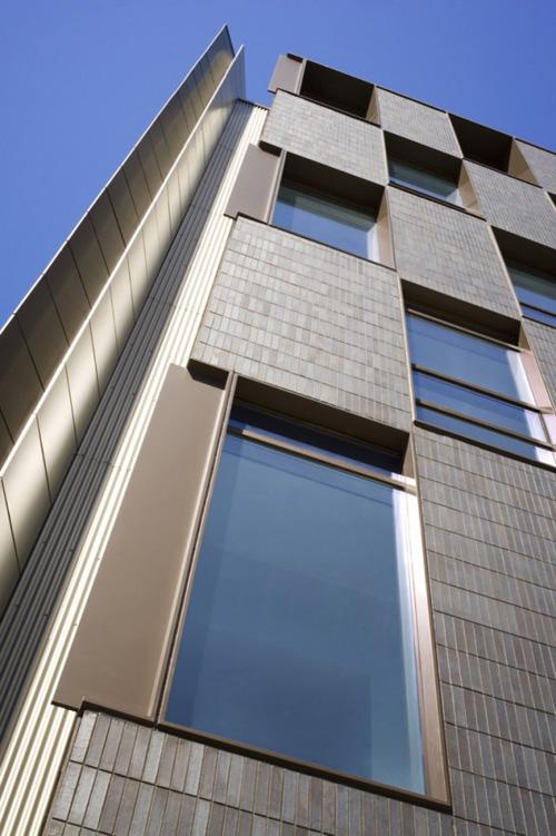 Modern architecture of mac allen condominium by office da for Da architecture