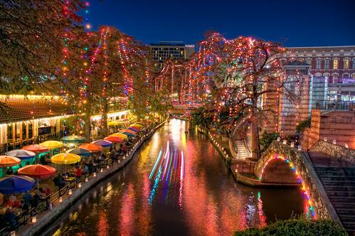 christmas sanantonio geotagged lights texas hdr riverwalk brandonwatts tnw geo:lat=29423072 geo:lon=98487917