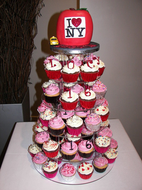 Cupcake Decorating Ideas For Sweet 16 : New York themed Cupcake Tower for Sweet Sixteen Birthday ...