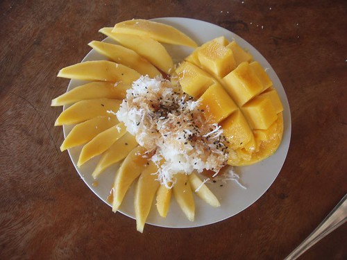201002060325_mango-sticky-rice