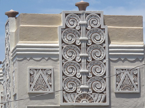 Detail: 3060 Scott Street, SF (built 1938)