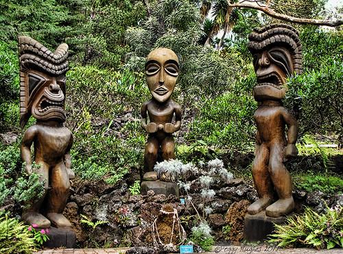 vacation statue hawaii three maui carving altar peggy tiki kula kulabotanicalgarden ©allrightsreserved april2011 ©peggyhughes