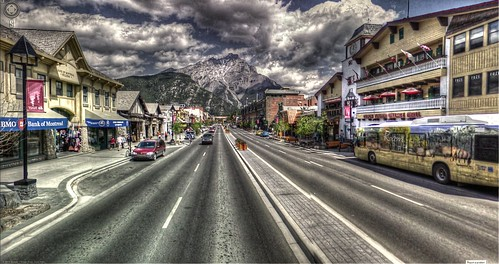 Google Street View - Pan-American Trek - Downtown Banff