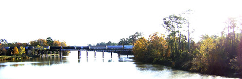 autumn fall leaves railroad train bridge sanjacintoriver humble harriscounty texas movingtrain pontist united states north america