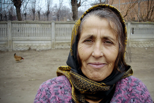 An elderly Roma woman