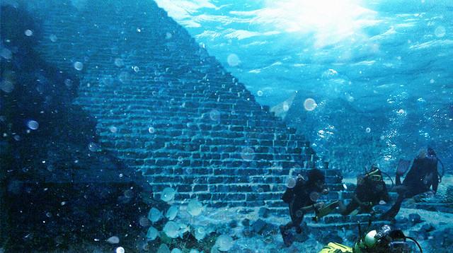 Le mystère de la pyramide sous-marine des Bermudes ? 4303890714_cc82c61bcc_z