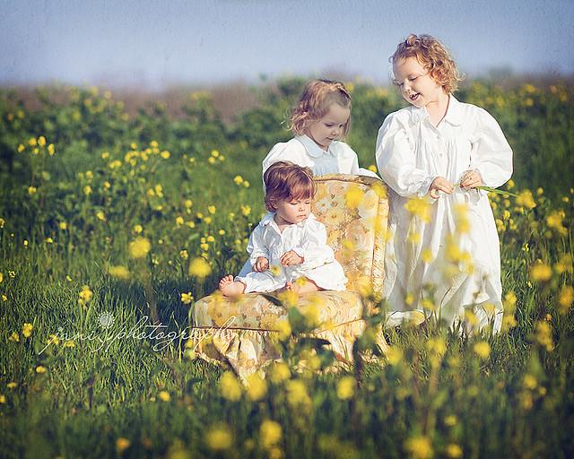 springtime sisters