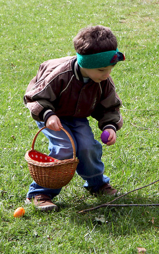 Volunteers put together Easter Egg Hunt for USACE children in Europe
