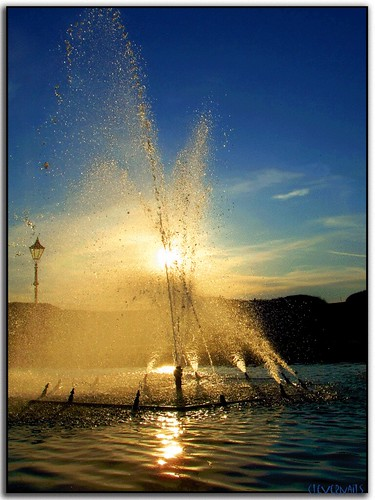 sunset reflection water fountain seaside explore lamppost portsmouth southsea naturesfinest supershot abigfave platinumphoto anawesomeshot impressedbeauty theunforgettablepictures