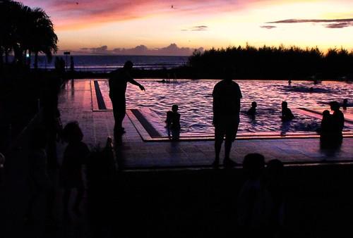 sunset people color water pool kids indonesia fun cool colorful lovely splashing 444v4f bengkulu