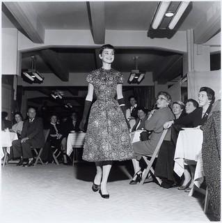 11-02-1954_12884 Audrey Hepburn