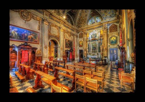churchofsangiacomo piazza giacomo matteotti inside interior italy italia udine videm friuli venezia giulia city architecture nikon d300 photomatix hdr sigma 1020 breathtaking beautiful incredible journey nice amazing travel tourism view awesome lovely perfect stunning tour tourist unique park sky cloud clouds road trip path grand excellent superb