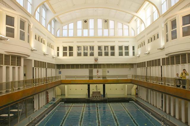 Belgique bruxelles piscine de saint josse ten noode flickr photo shar - Piscine abandonnee belgique ...