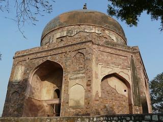 Image of Nila Gumbad. delhi mughal nizamuddin nilagumbad