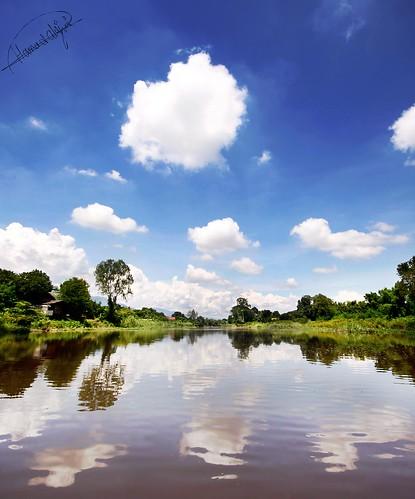 blue cloud reflection water weather canon river thailand boat view sigma wideangle bluesky thai chiangmai 1020mm chiang 1020 2009 hamad chaingmai sigma1020mm sigma1020 50d canon50d alajmi 3twe hamadalajmi alfrij 3twealfrij