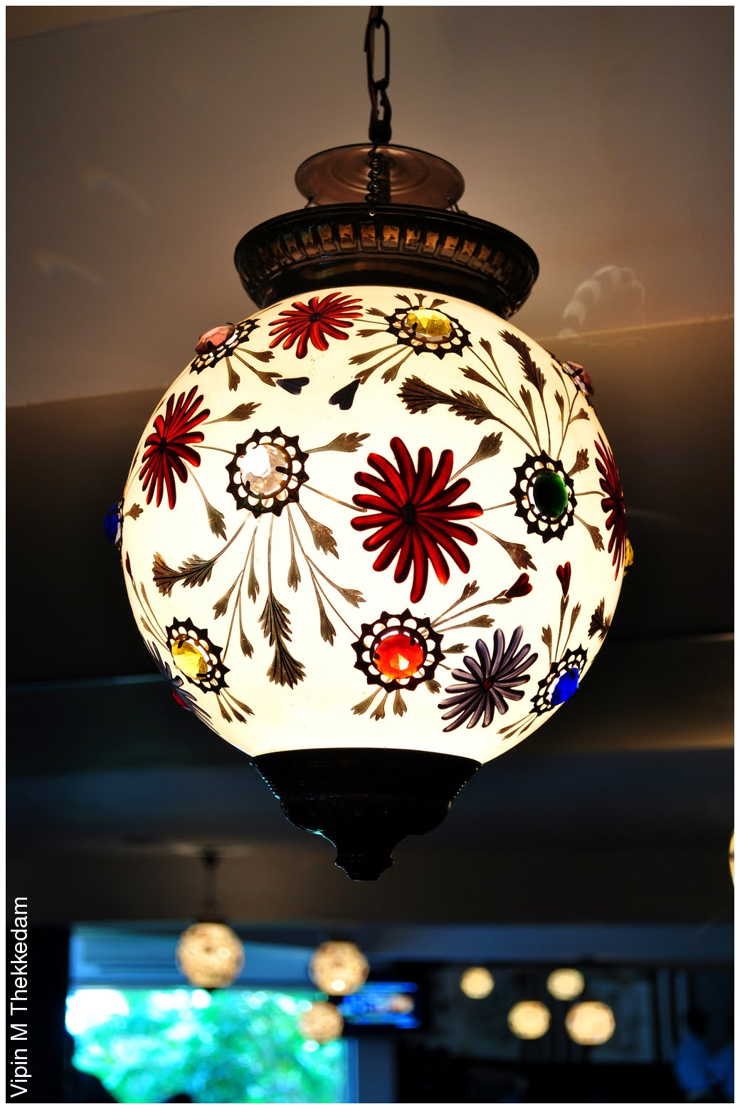 Flowered ceiling lamp