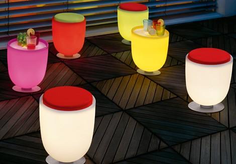 Arredi luminosi, i mobili di casa si  trasformano in lampade