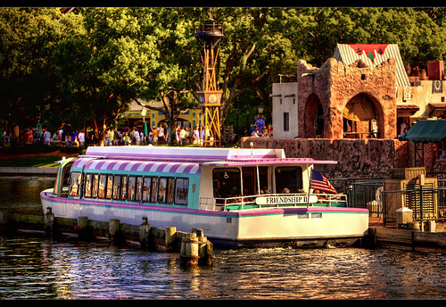 boat orlando epcot florida disney morocco disneyworld wdw waltdisneyworld epcotcenter magickingdom waltdisney worldshowcase disneytransportation frienshipboat disneyphotography disneyphotograph