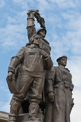 Heroes' Monument