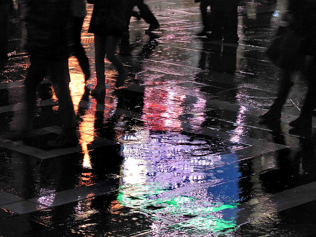 Photo:Crowded rainy afternoon By:angelocesare