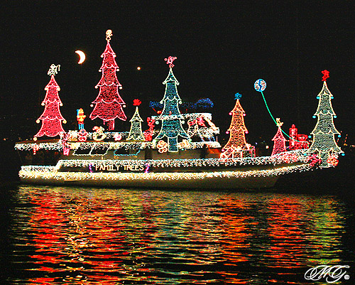Lighted Yacht Parade Logo