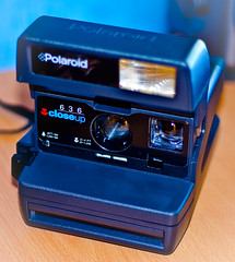 digital camera(0.0), cameras & optics(1.0), camera(1.0), instant camera(1.0),