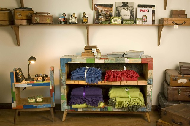 Muebles patchwork en Boulevard Saenz Peña - Tigre  Flickr - Photo Sharing!