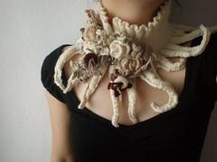 Elan ... Knitted Neckwarmer / Scarflette - Ivory