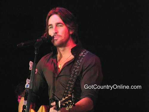 Nice Jake Owen photos
