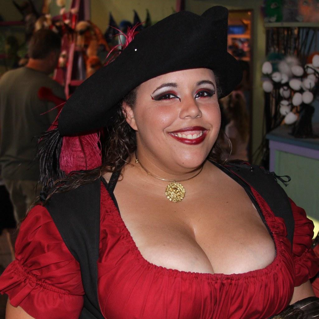 Bbw cleavage pics