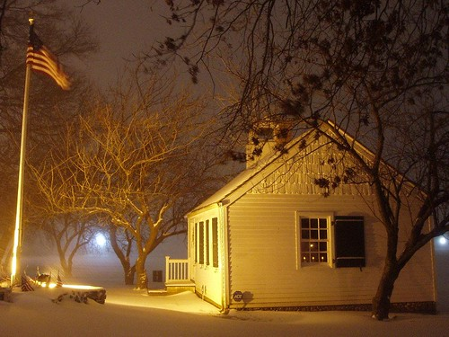 snow ny newyork history night december snowstorm americanflag blizzard sincity mamaroneck oldmamaroneckschoolhouse 1001nightsmagiccity 1816schoolhouse