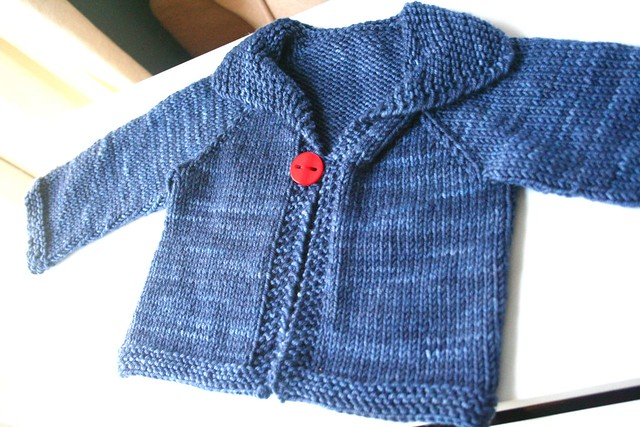knitted: easy baby cardigan This is the free baby cardigan? Flickr - Phot...