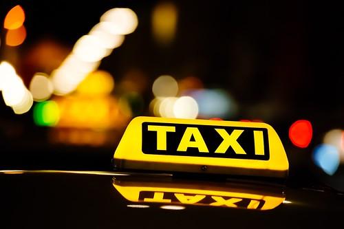'Uber: pro e contro della start-up avversata dai tassisti' by Automobile Italia