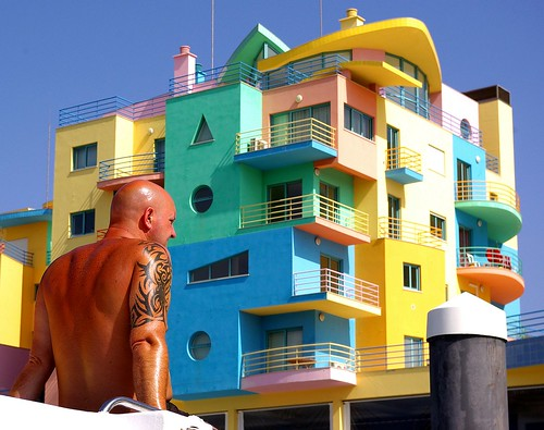 Portugal - Colourful Body-Building