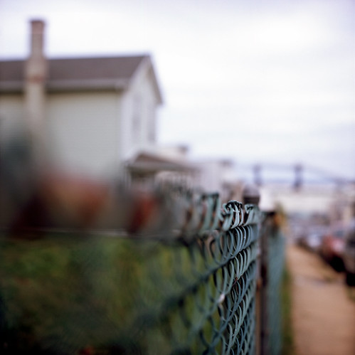 street city urban usa house color 120 6x6 tlr film rollei analog rolleiflex zeiss america fence out square lens bay us reflex md focus day fuji dof mechanical cloudy bokeh south united patrick twin maryland slide baltimore chain v velvia chrome link epson medium format 100 states shallow manual 500 80 joust fujichrome e6 f28 curtis planar oof estados 80mm reversal unidos 28f franke v500 autaut patrickjoust heideche