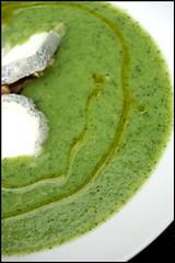 Soupe de brocoli, Sainte-Maure de Touraine et cerneaux