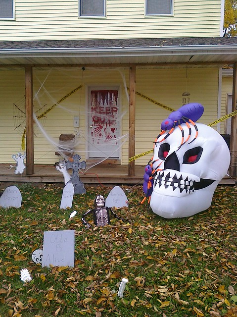 Beautiful Halloween Yard Decorations 374 x 500 · 208 kB · jpeg