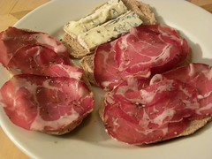 corned beef, charcuterie, red meat, jamã³n serrano, capicola, beef tenderloin, produce, food, kassler, dish, cuisine, venison, cooking, lamb and mutton,