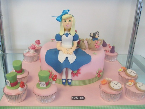 CAKE Alice in Wonderland cake