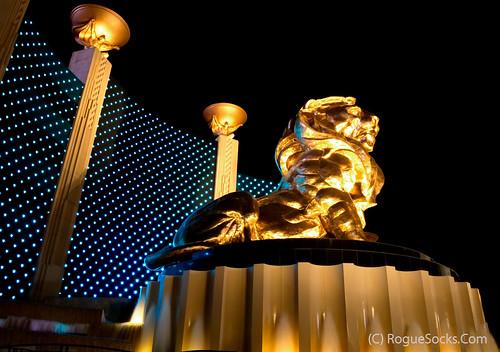 Lion-MGM-Grand-hotel-casino-las-vegas-night-001.jpg