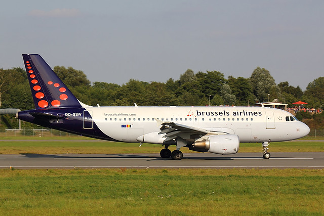 Brussels - A319 - OO-SSW (1)