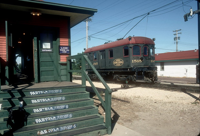 Illinois Terminal 1565 at L Station IRM Oct93
