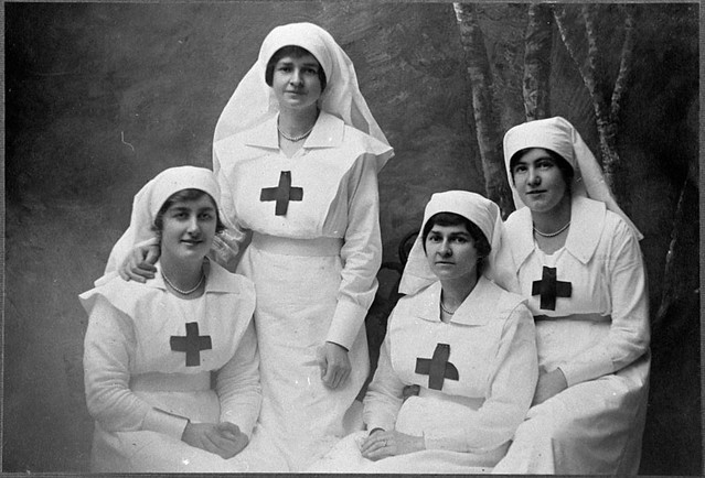 Women in world war one - ThingLink