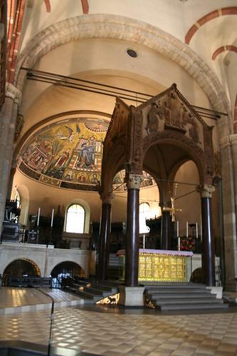20091113 Milano 04 Basilica di Sant' Ambrogio 60 Altare di Sant'Ambrogio