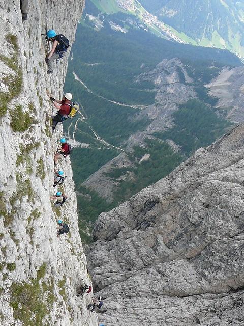 20080901_140912 Folgende Seilschaft im Pisciadù-Klettersteig
